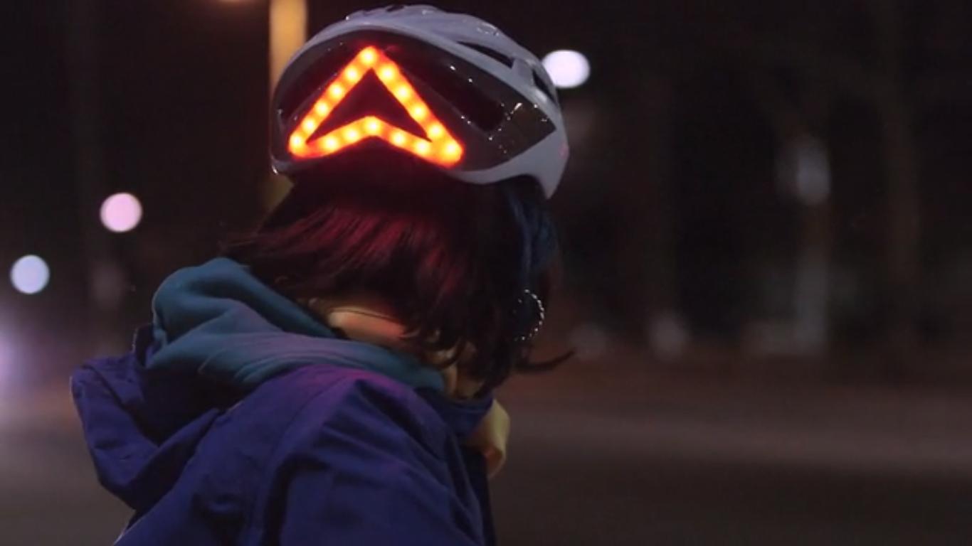 Denne «smarte» hjelmen skal gjøre syklistene trygge i mørket