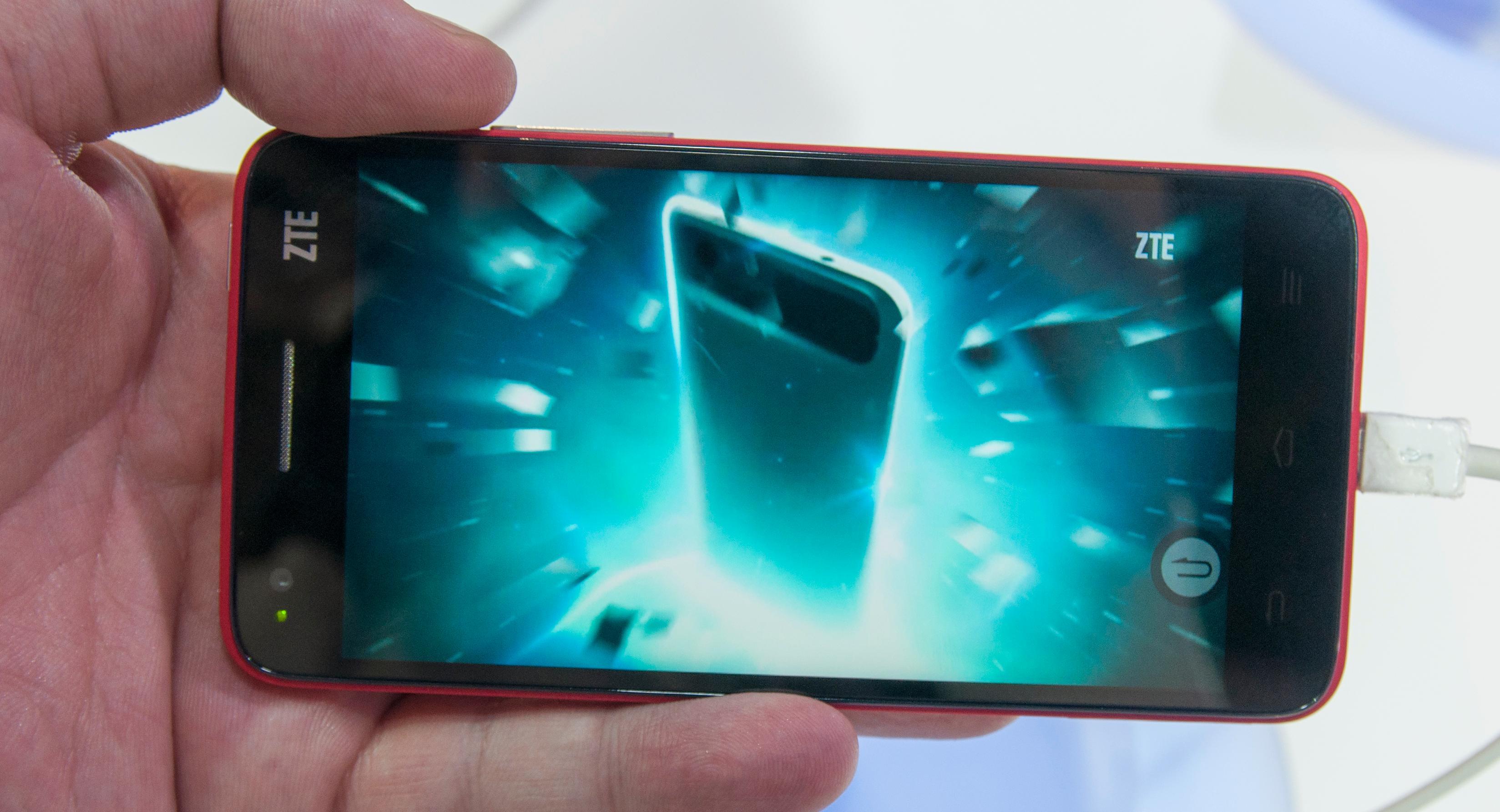 I fjor overrasket ZTE med en mobil ulikt det meste annet de har stått for tidligere. I år ventes det at oppfølgeren dukker opp.Foto: Finn Jarle Kvalheim, Amobil.no