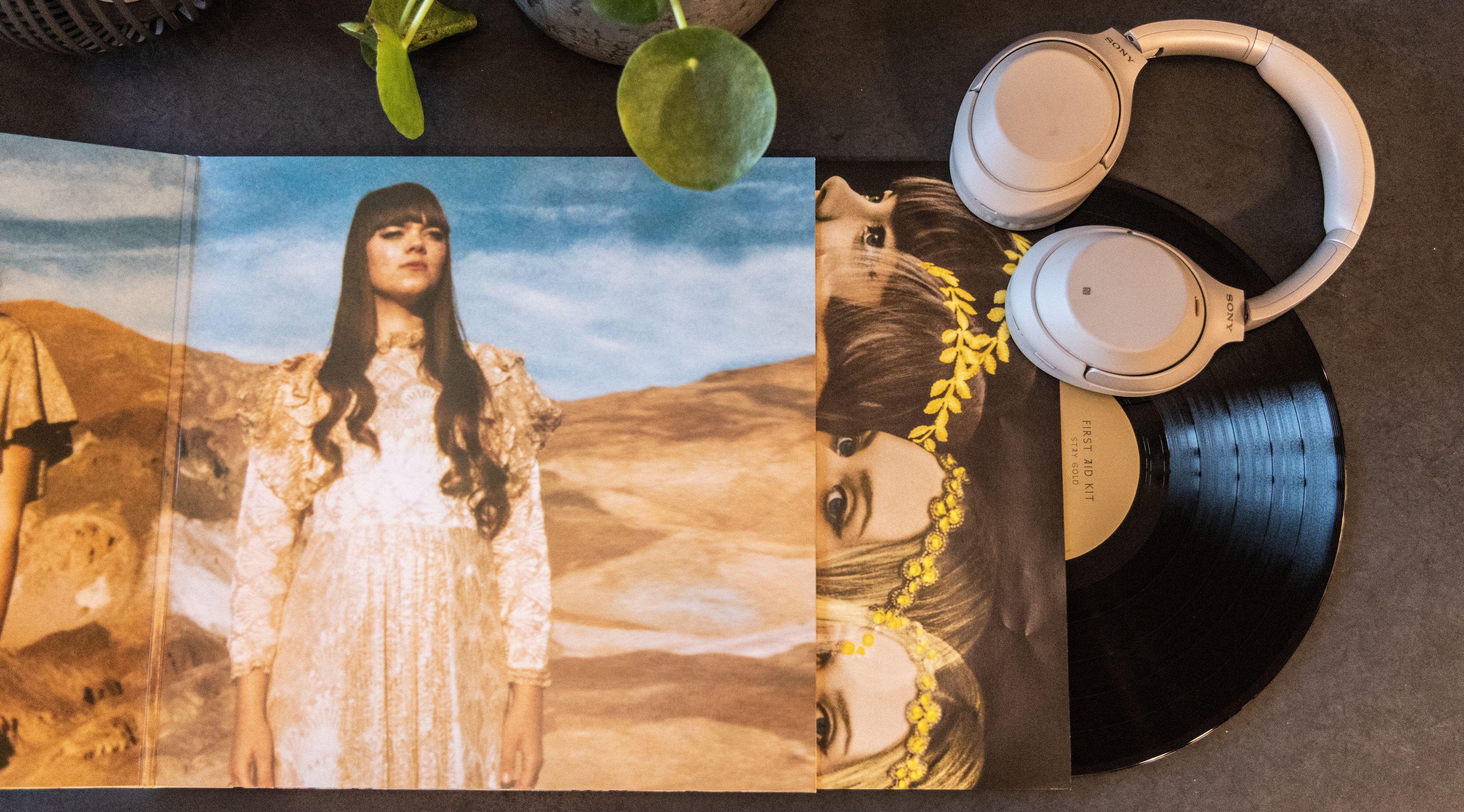 Lag på lag. Vinyl handler nesten like mye om det visuelle som om lyden.