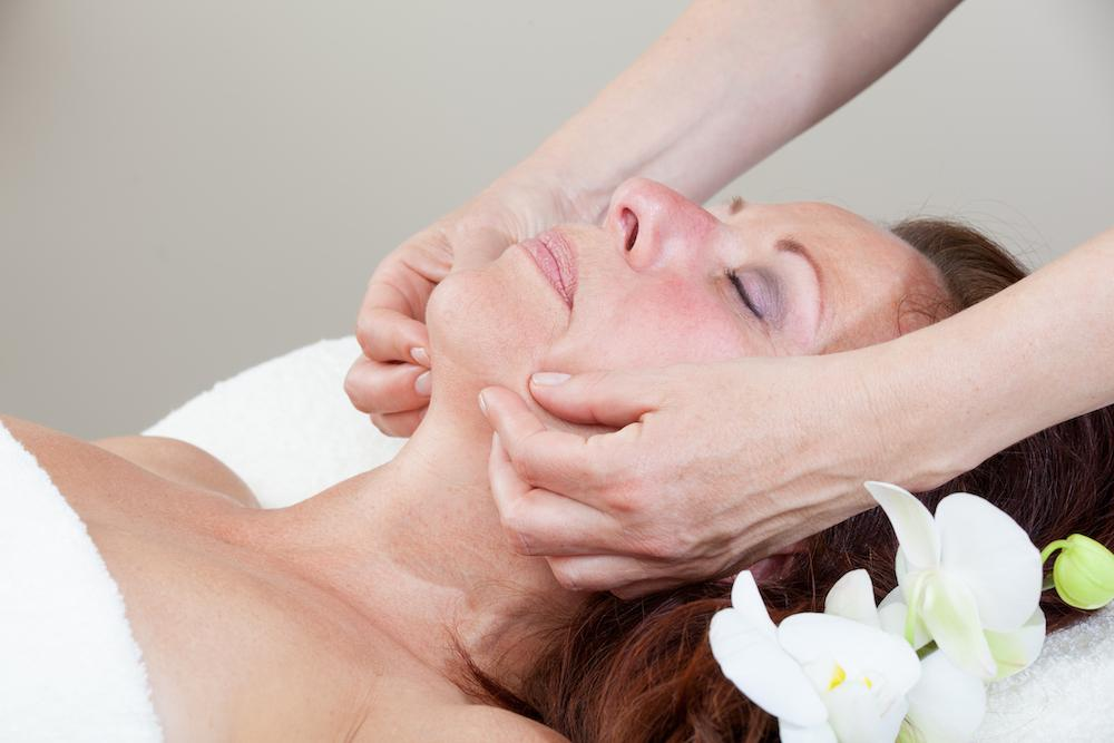 Massage kan motverka rynkor.