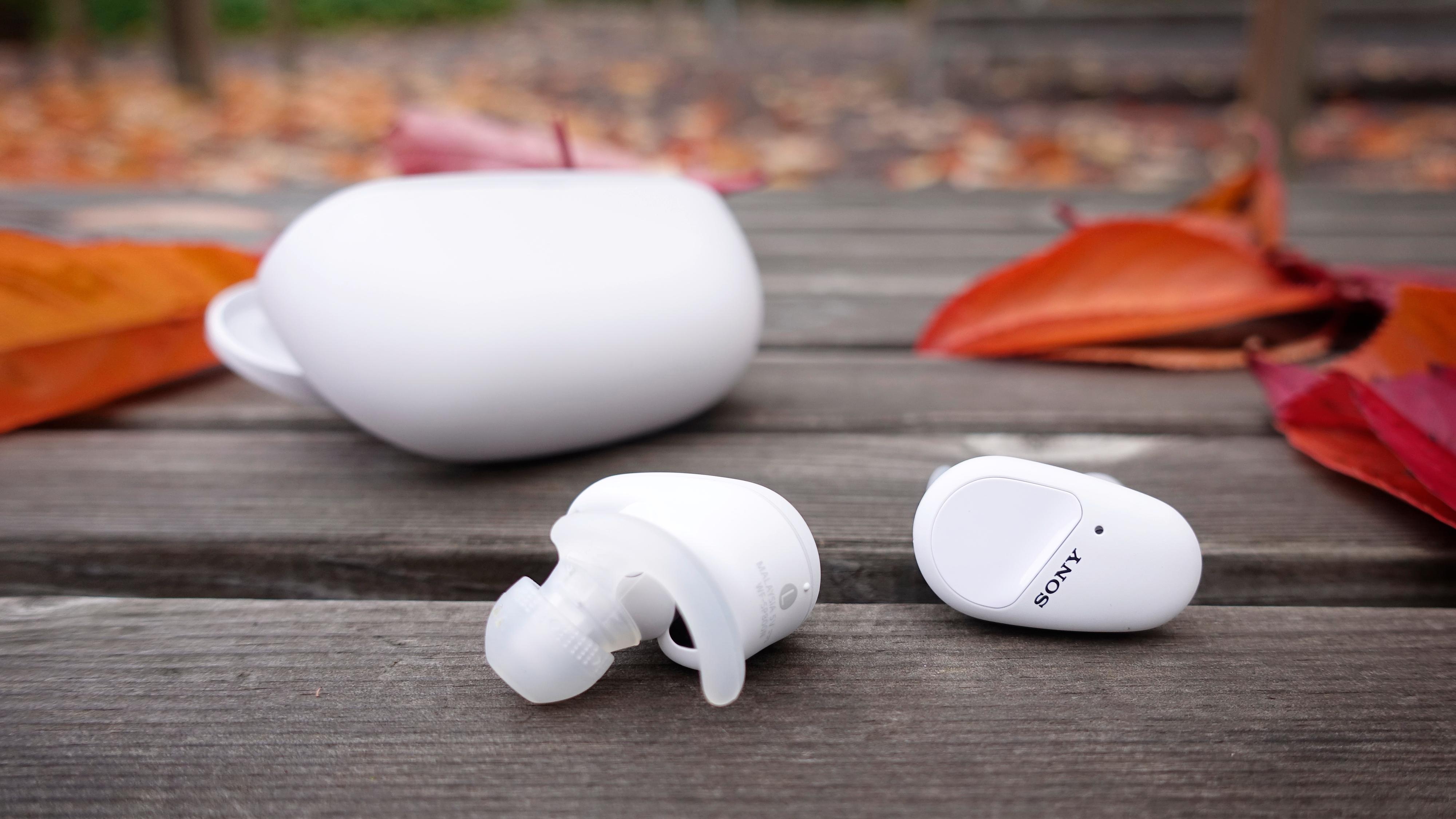 Sonys treningspropper sitter bom fast og byr på aktiv støydemping
