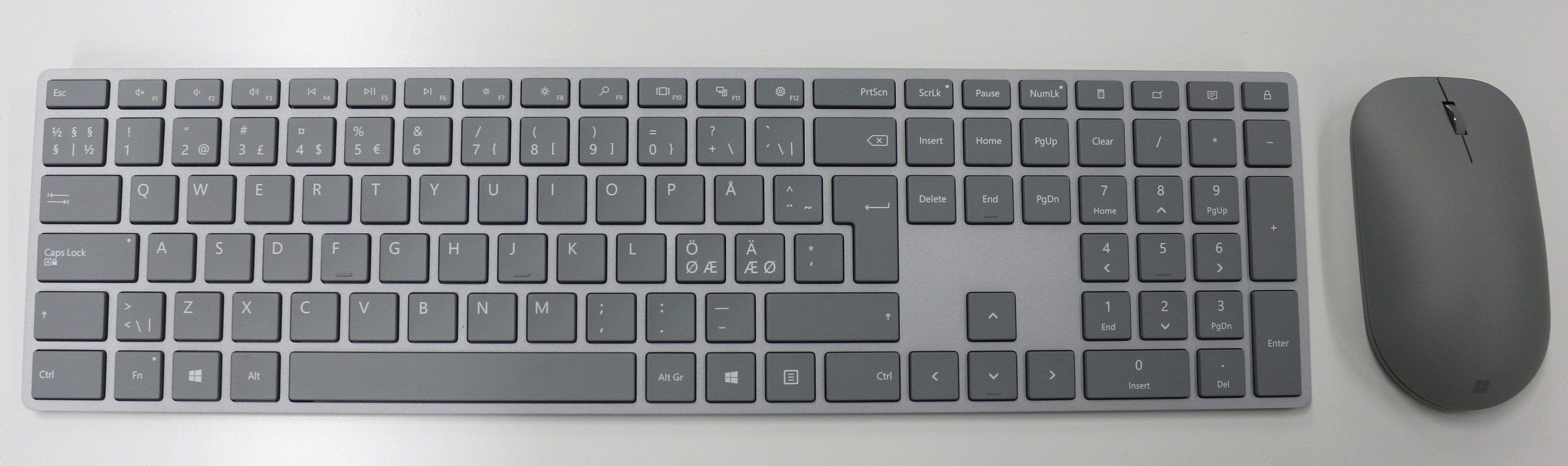 Trådløs datamus og tastatur følger med.