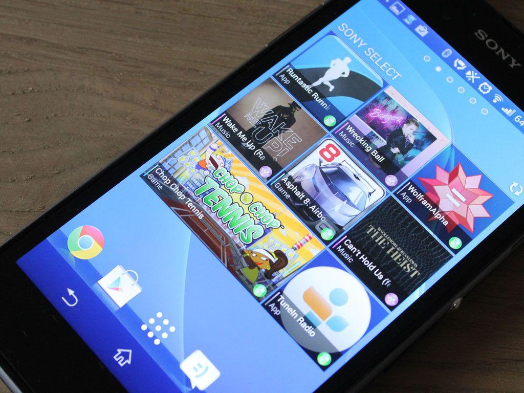 På en av hjemmeskjermene har Sony lagt en widget som viser innhold de mener er egnet for denne mobilen. Foto: Espen Irwing Swang, Amobil.no