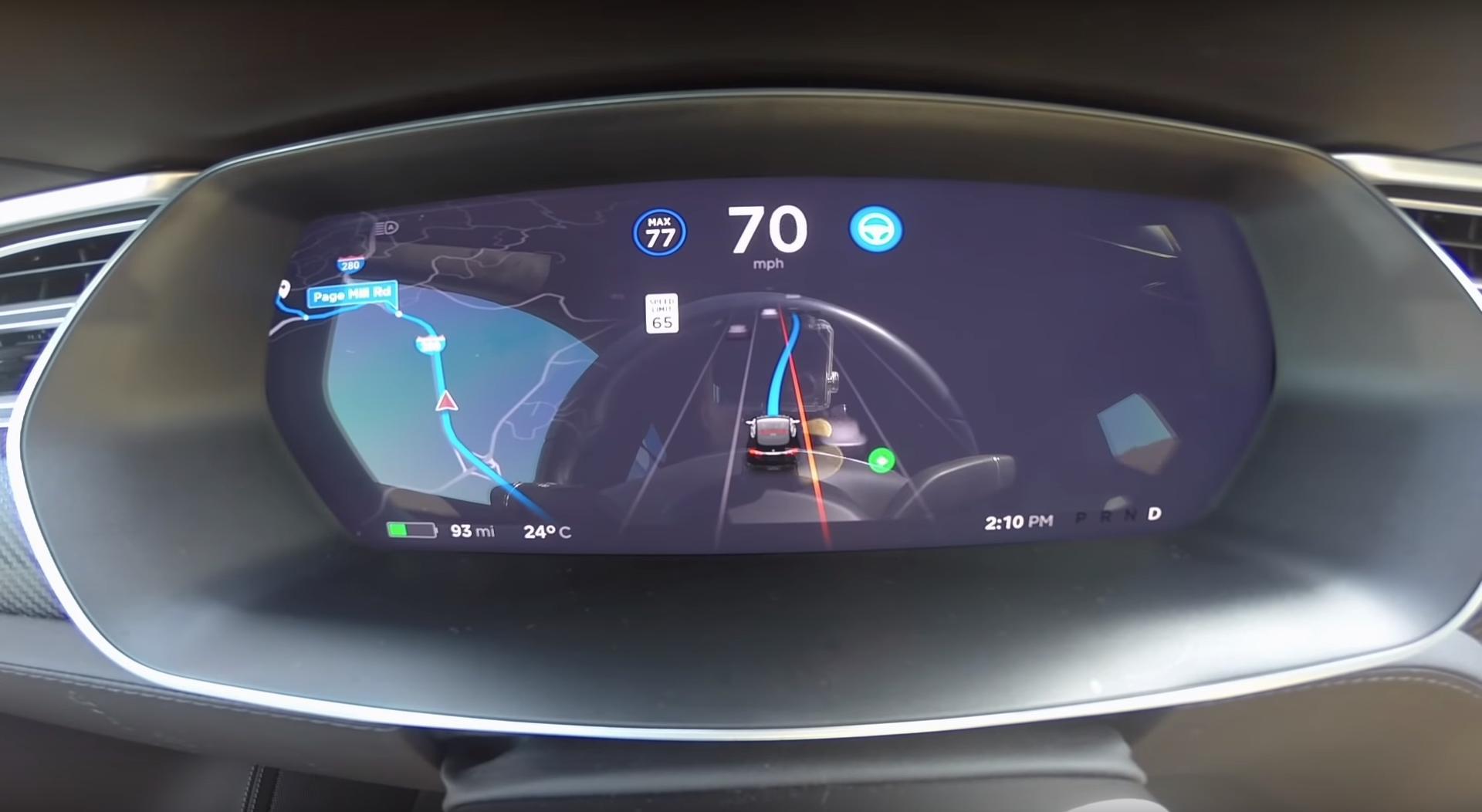 Nå kommer den nye Tesla-oppdateringen – men den viktigste endringen utsettes