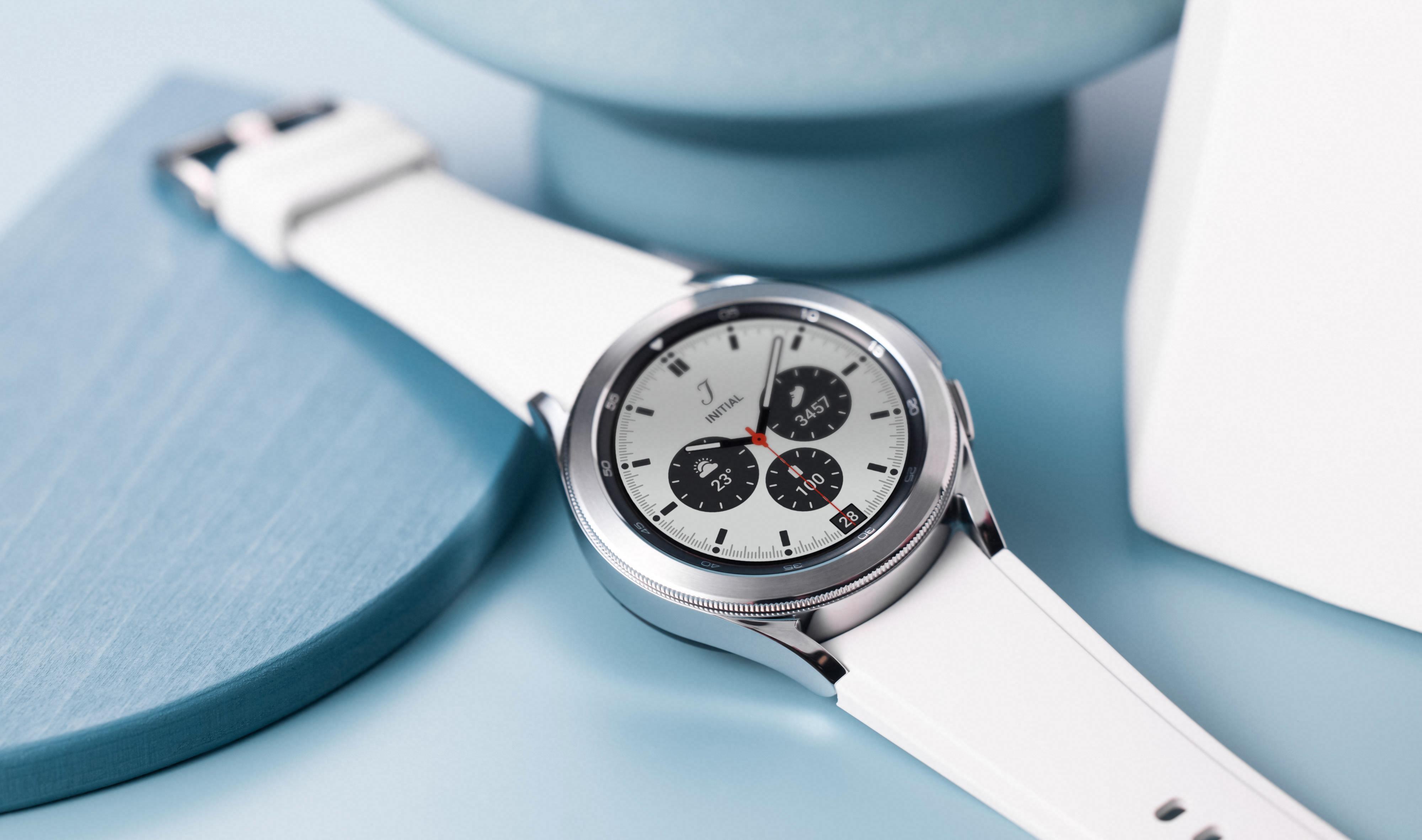 Galaxy Watch 4 har fått Googles Wear OS i bunn, men det er fortsatt masse Samsung på skjermen; menysystemet er koreanernes eget One UI og Google og Samsung skal ha samarbeidet om å fornye Wear OS.