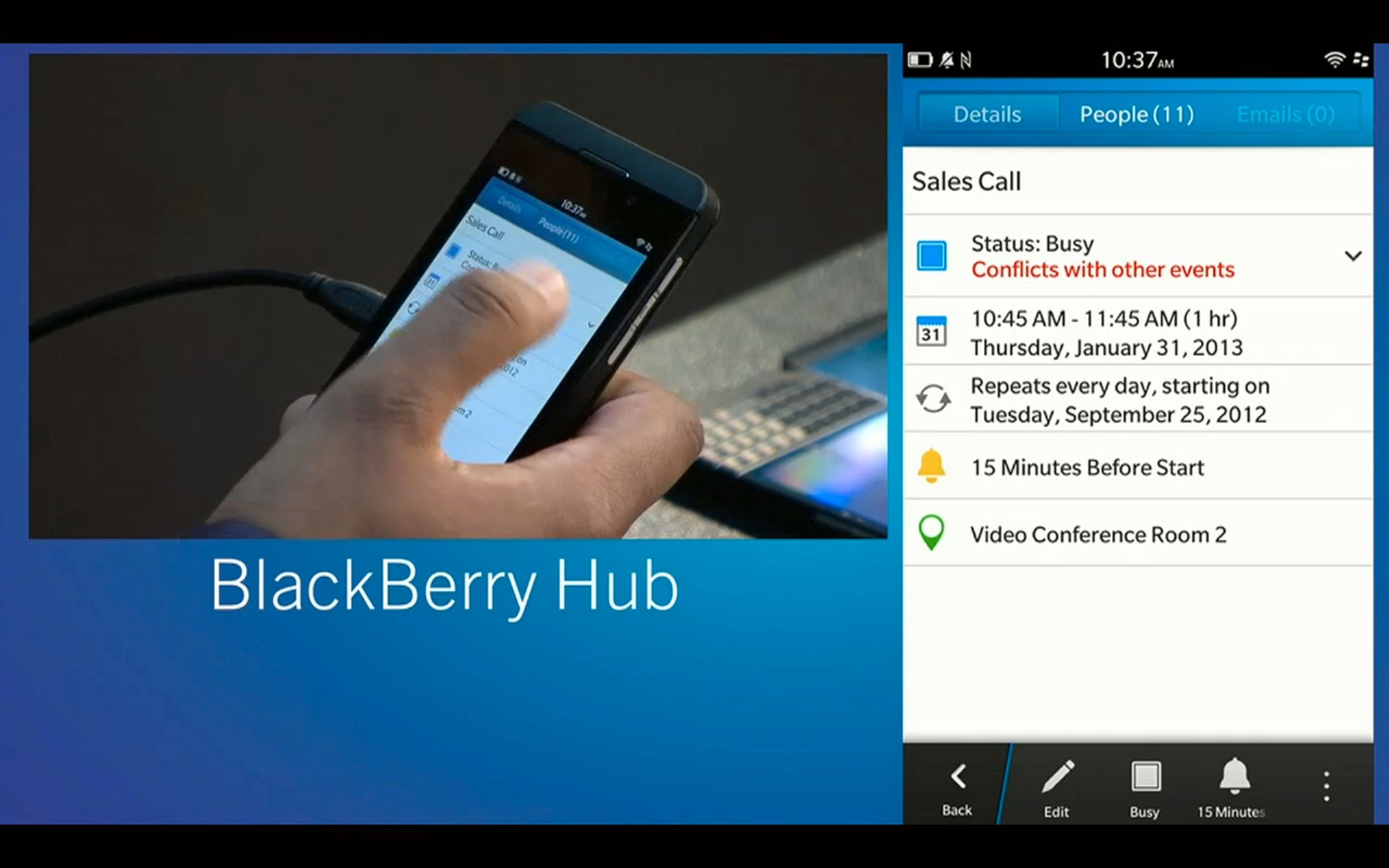 Bak applikasjonen som kjører vil du som regel finne BlackBerry Hub. Denne appen er en slags felles innboks for alle kontoene du har knyttet til telefonen, enten det er Facebook eller e-post og SMS.