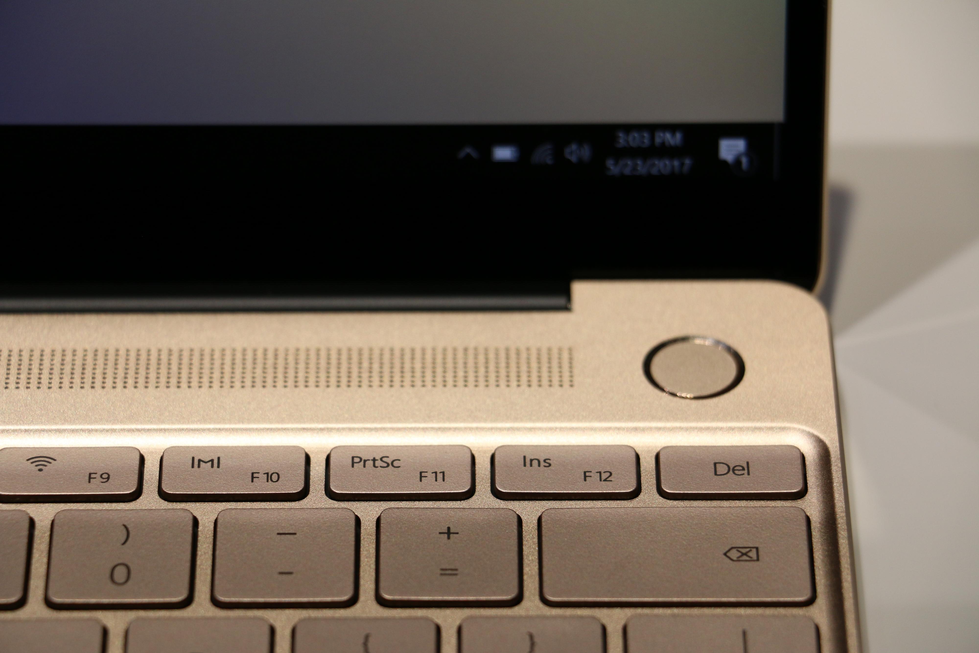 Denne På-knappen skjuler en fingeravtrykkleser.