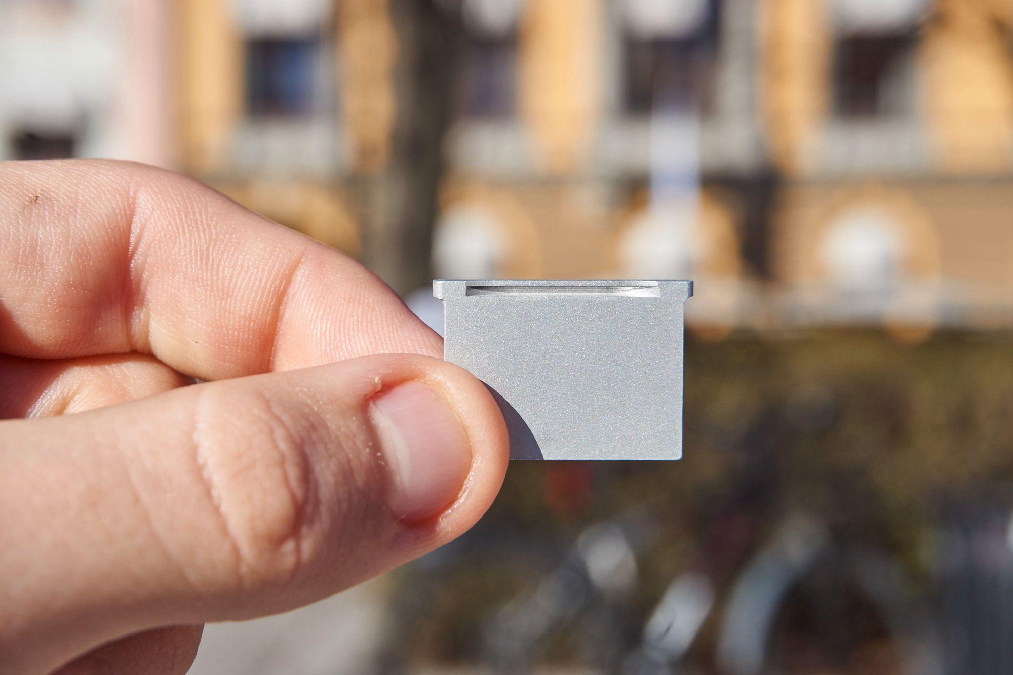 TarDisk ser lekker ut fra de fleste kanter, og er designet for å gli sømløst i ett med Mac-designet.