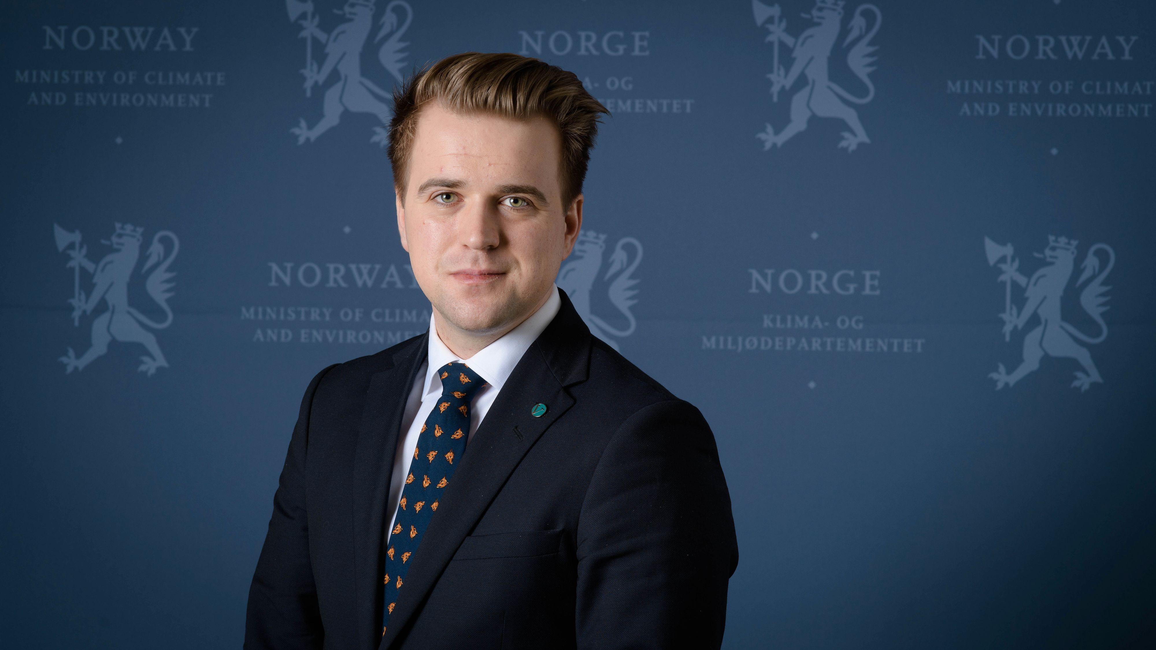 Statssekretær Mathias Fischer tror folk velger å kjøre på litt ulike tidspunkt i sommer.