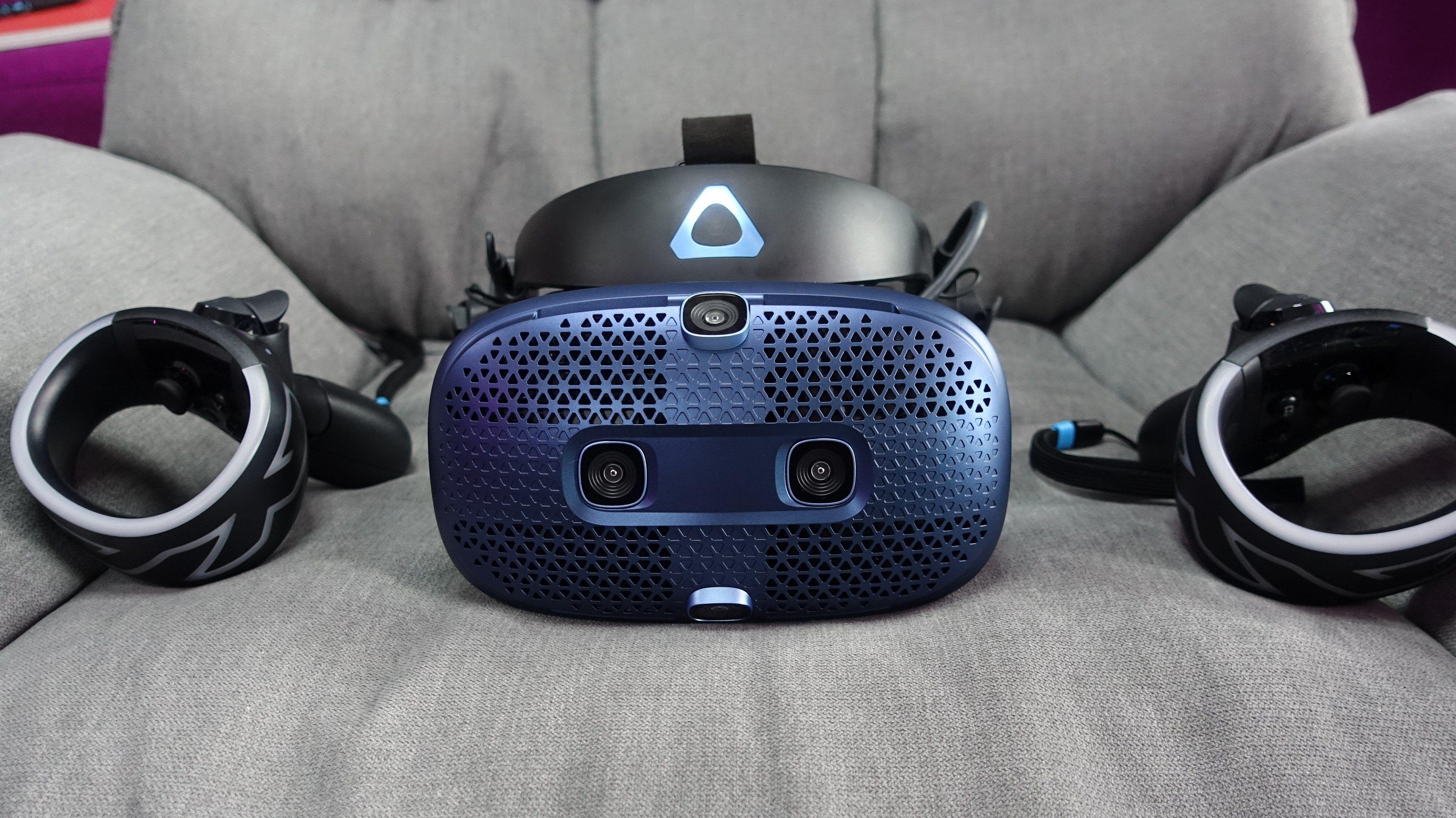 All bevegelsessporing med Vive Cosmos skjer med de seks kameraene og interne sensorer i håndkontrollere og hodesett.