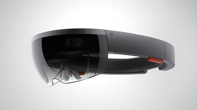 Microsofts kostbare HoloLens-briller kommer kanskje i en rimeligere utgave, takket være Asus. Foto: Microsoft