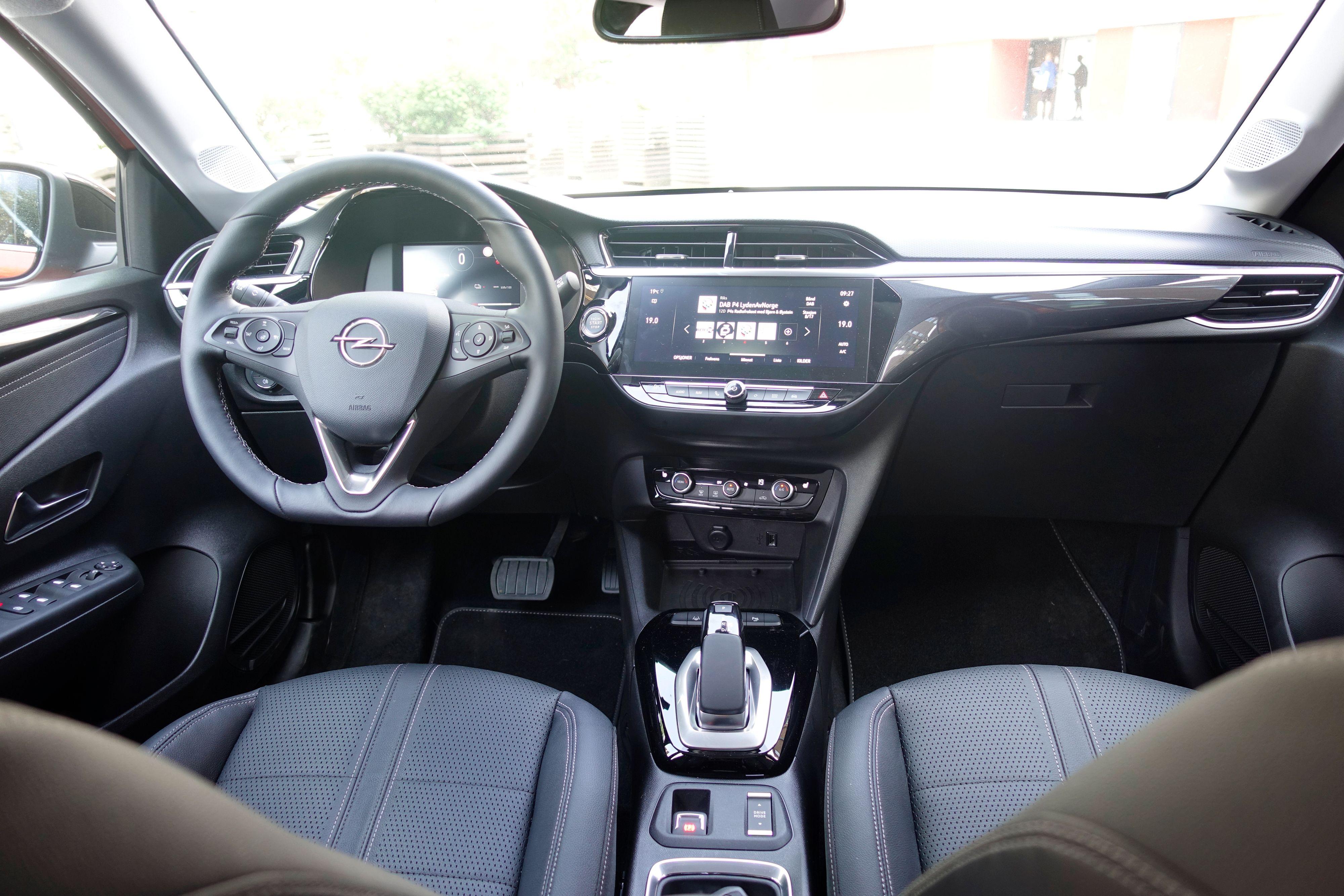 Opels førermiljø er kanskje ikke det mest spennende, men det gjør nytten.